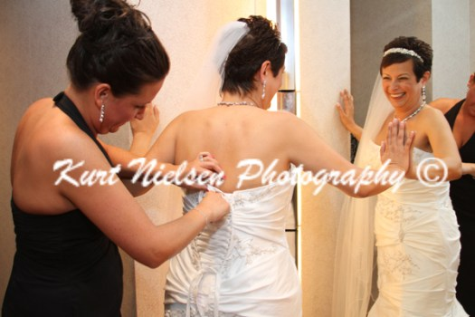 bride getting ready pics