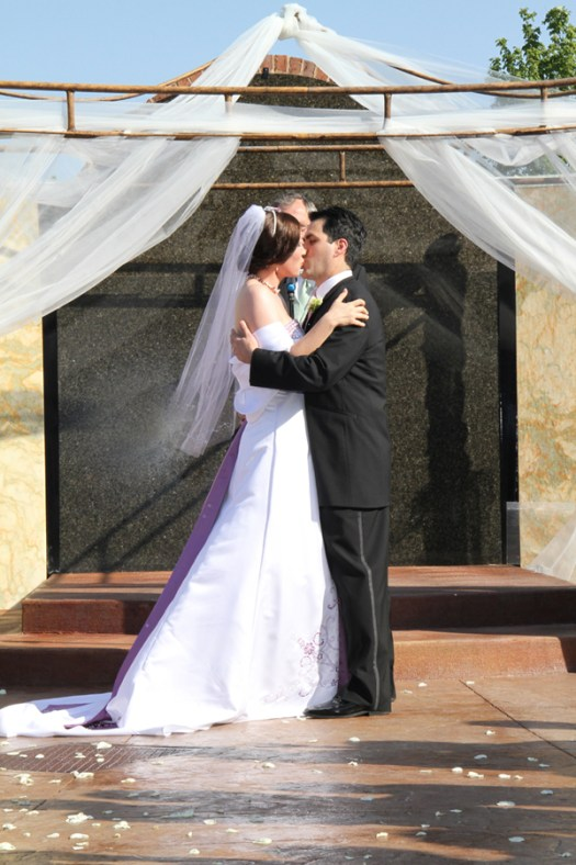 The Wedding Kiss Pictures