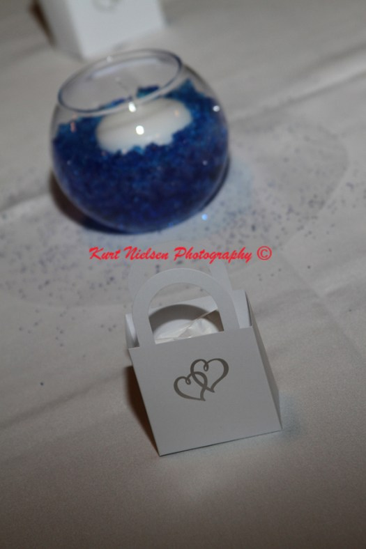 blue and white centerpieces