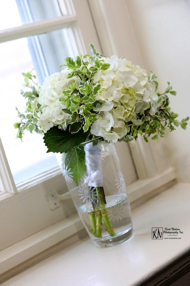 white hydrangea wedding bouquet