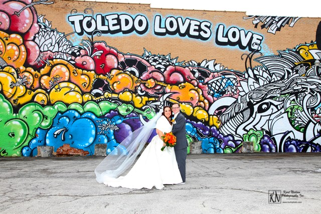 I Do at the Zoo Fall Bridal Show - Toledo Wedding Photography