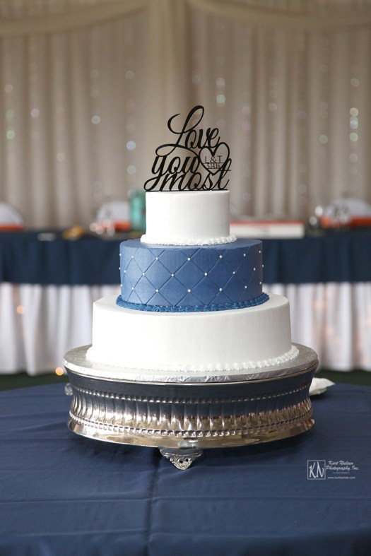 wedding cake from Ideal Bakery in Toledo