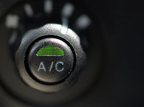 エアコンスイッチ