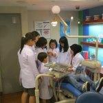 Pentingnya Mengajarkan Merawat Gigi Sejak Usia Dini