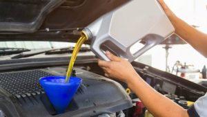 mengisi ulang bensin beroktan tinggi