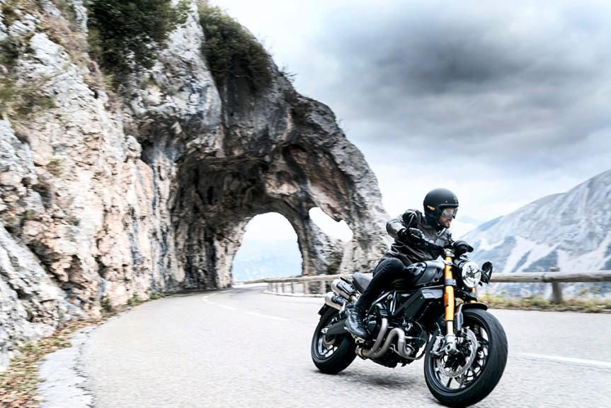 Die neue Scrambler Ducati 1100: Just PROs