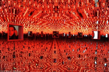 Infinity Mirror Room - Love Forever