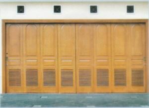 Pintu Garasi Kayu Sliding