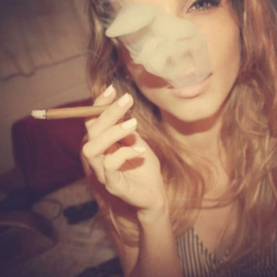 monday-blunt-smoking-medicate-up-cute-stoner-chick-thcf