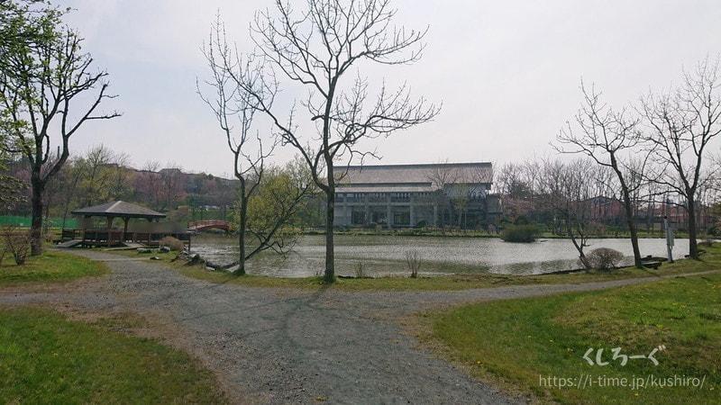 釧路市の鶴ケ岱公園(つるがだい公園) ひょうたん池と武道館