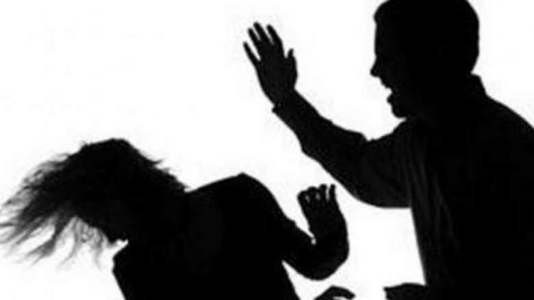 السجن والغرامة 15 ألف جنيه لشاب صفع طبيبة داخل مستشفى شهير بعطبرة