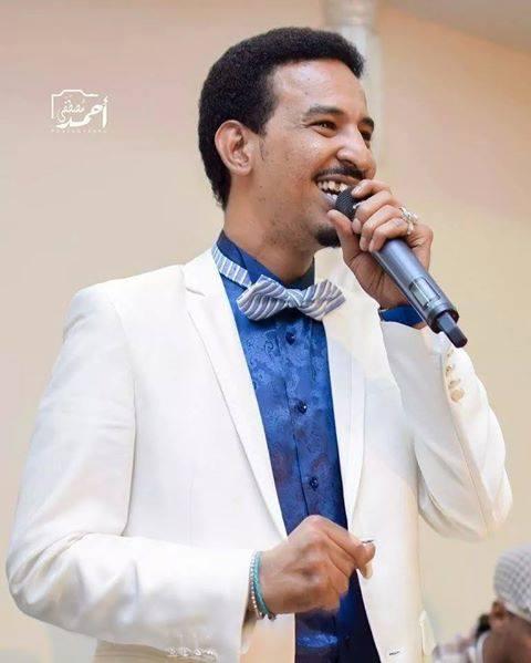 سخرية واسعة من طه سليمان بسبب بوسترات حفله الجماهيري القادم .!