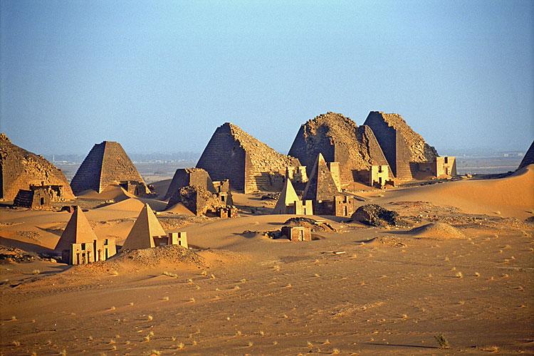 دقلو: أن السياحة مستقبل الاقتصاد السوداني