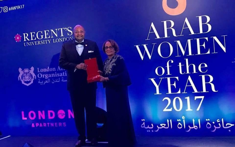 الدكتورة السودانية هنية مرسي فضل أحمد تفوز بلقب المرأة العربية لعام 2017