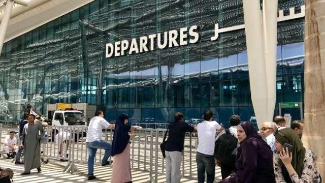 سودانية تجبر طائرة مصرية على الهبوط الاضطراري بمطار القاهرة