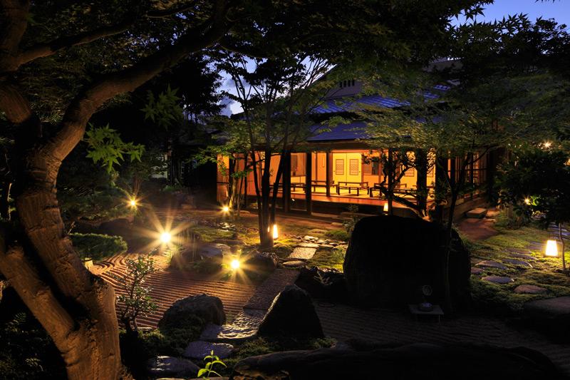 Onsen with Rock Garden kusuyama