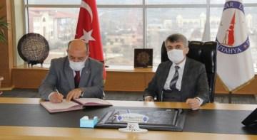 """DPÜ'den """"Kütahya Bilimle Şenleniyor"""" projesine destek"""