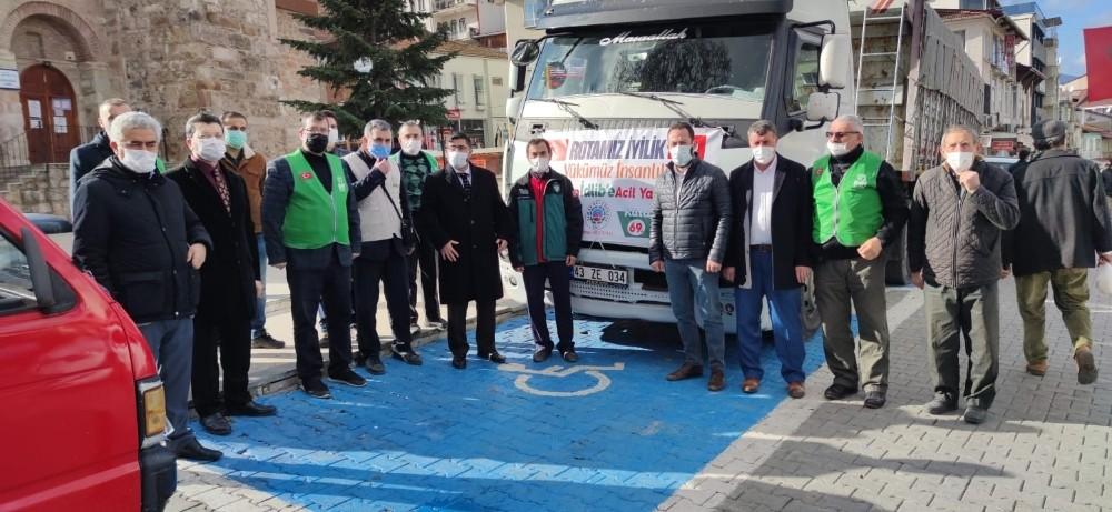 Simav'dan İdlip'e 25 ton un ile kışlık kıyafet yardımı