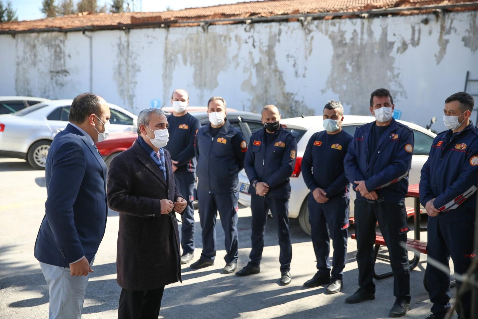Başkan Işık, itfaiyeciler ve temizlik işçileriyle bir araya geldi