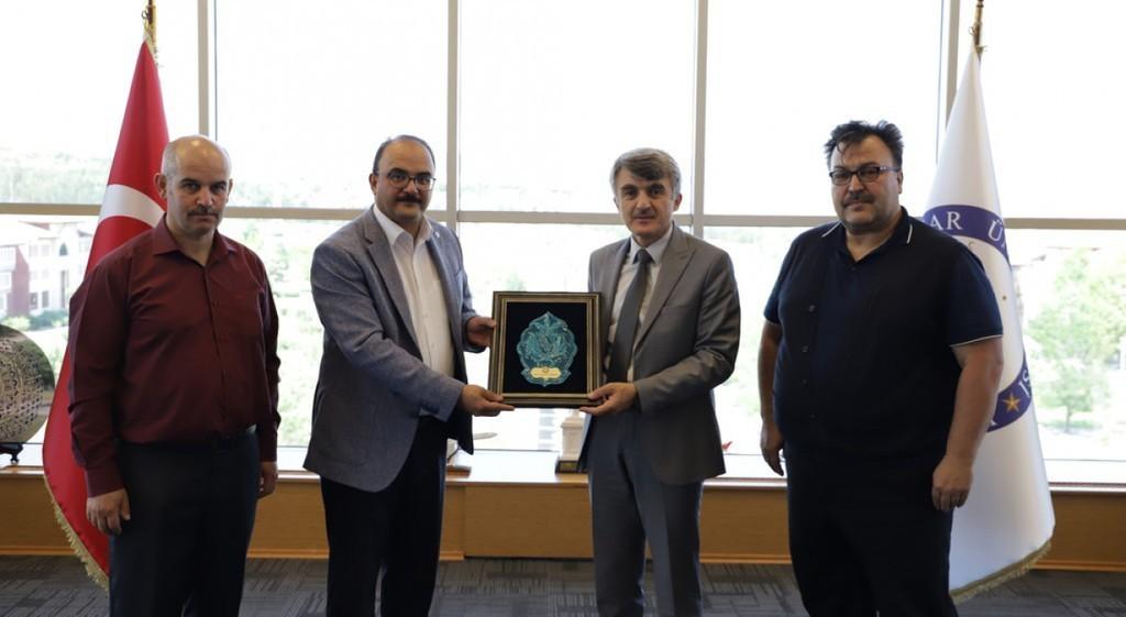 Başkan Sancaktaroğlu'ndan Rektör Uysal'a ziyaret