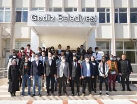 43 ülkeden 43 öğrenci Başkan Akçadurak'ı ziyaret etti