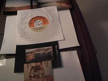 Hud-2 vinyl photos 277