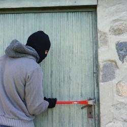 Jak sustrzec mieszkanie przed włamaniem