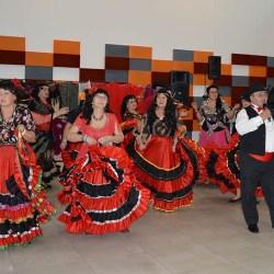Seniorzy zagrali i zatańczyli na cygańską nutę