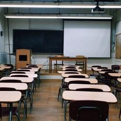 Zajęcia w szkołach zawieszone w całej Polsce