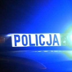 Policjant uratował życie mężczyźnie leżącemu na drodze