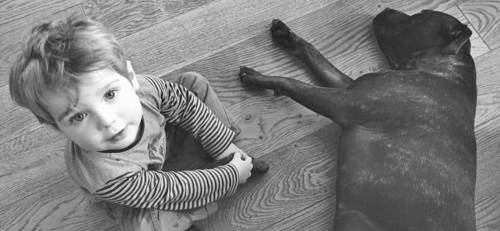 Gyermekek és kutyák: 10 csodálatos hatás