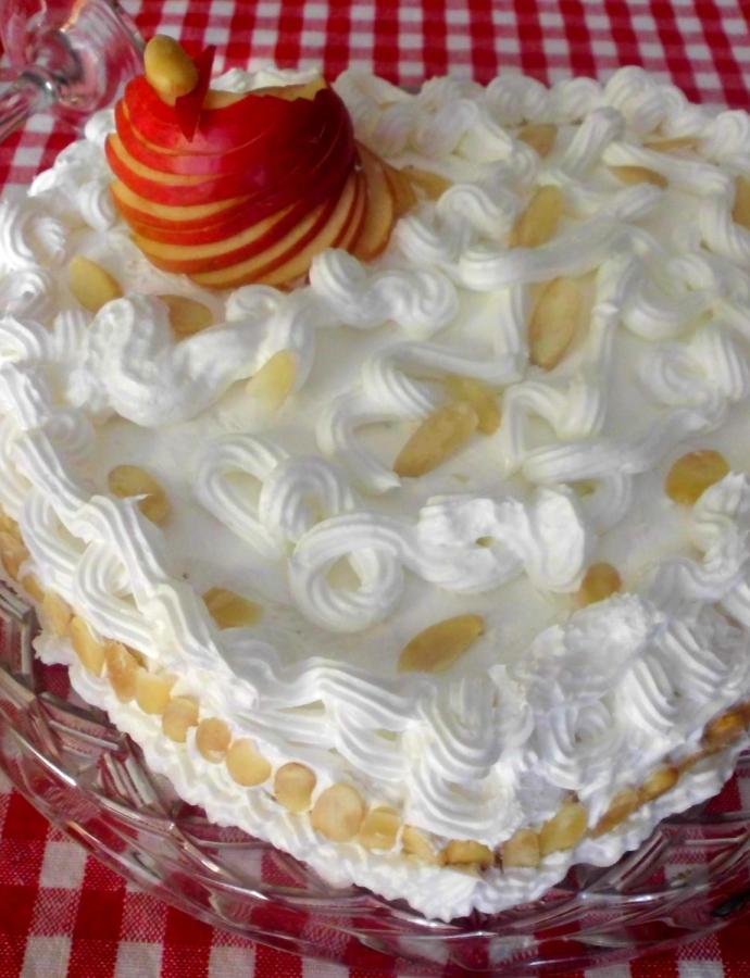 Torta sa jabukama i vinom