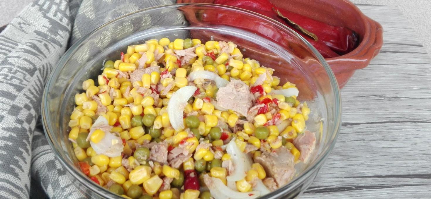 Salata sa tunjevinom i povrćem