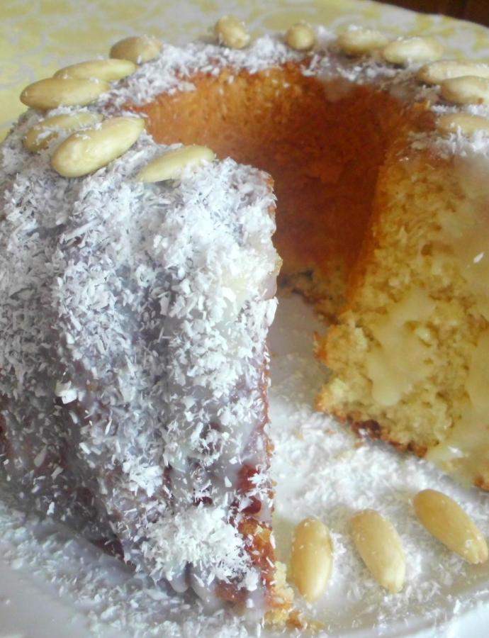 Kuglof sa kokosovim brašnom