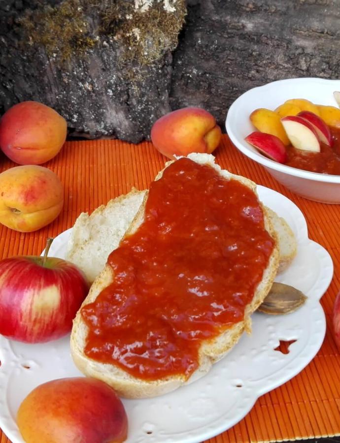 Džem od kajsija i jabuka
