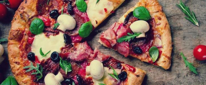 دراسة: تناول البيتزا يساعد على تخفيض الوزن