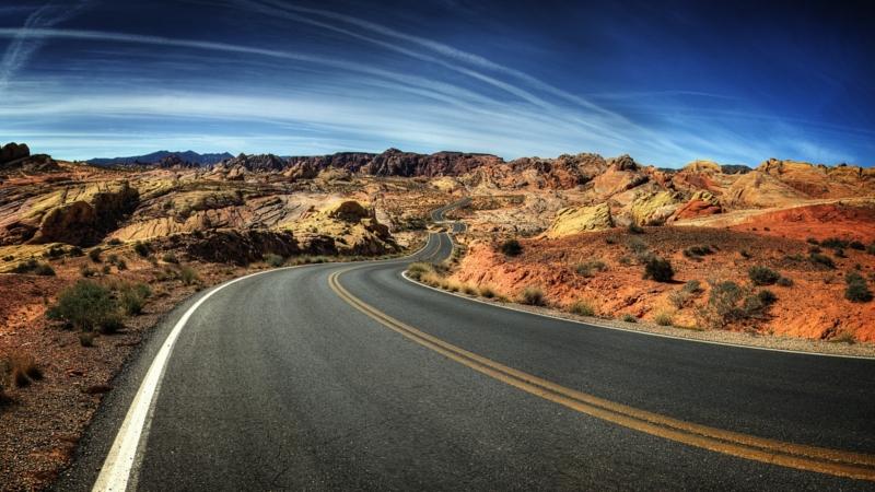 Memahami Fungsi Marka Jalan Sebelum Berkendara