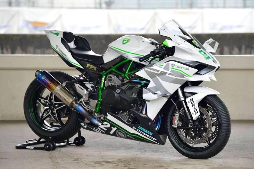 Modifikasi Motor Sport Kawasaki H2R (1)