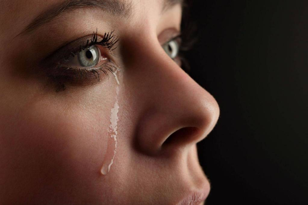 Wahai Para Istri, Kabur atau Update Status Bukanlah Solusi Kala Bertengkar dengan Suami