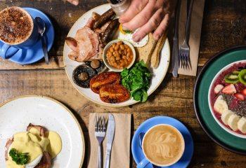 Enerjik Seyahatler için Kahvaltı Tavsiyeleri