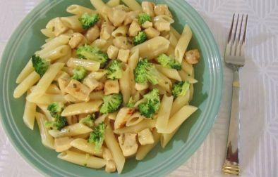 makarona me pule dhe brokoli