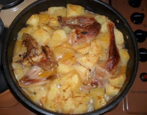 tave me patate dhe pule ne furre