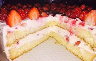 torte me luleshtrydhe