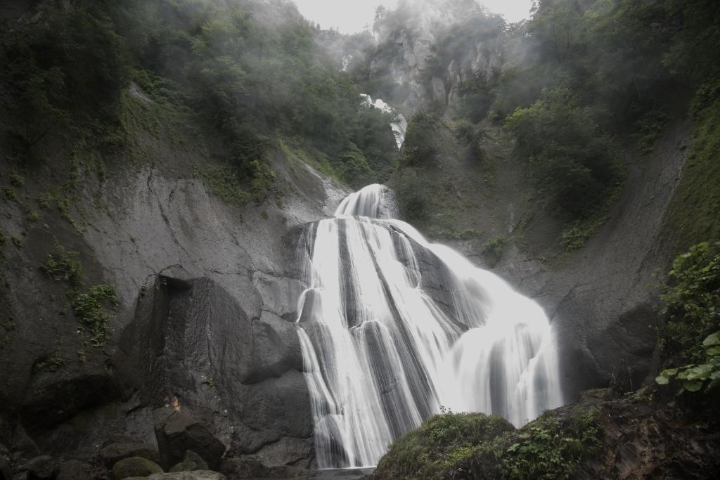 世界百名瀑 天人峡・羽衣の滝・滝壺