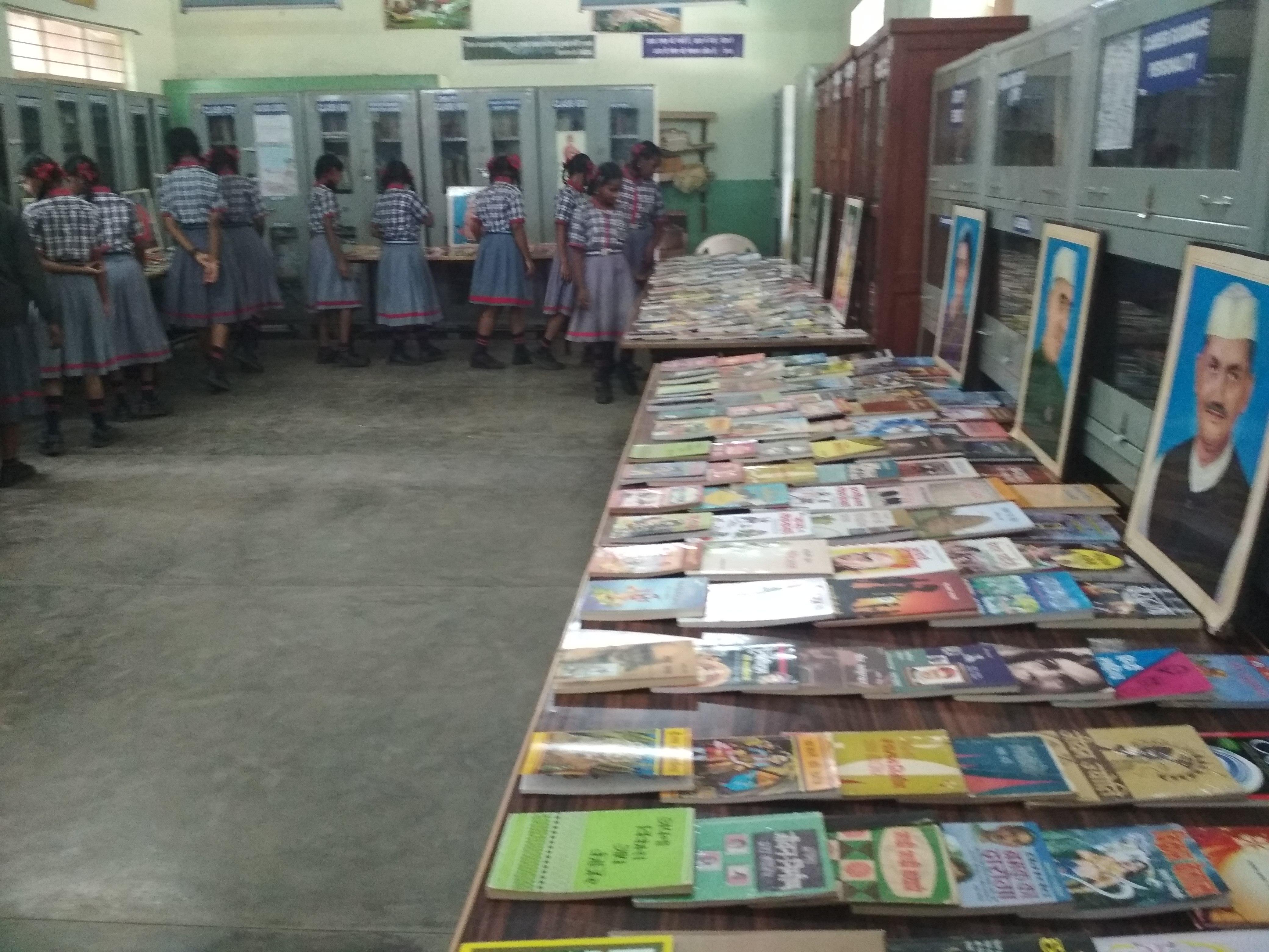 Book Exhibition Hindi Pakwada