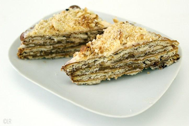 Taart zonder oven van mariakaakjes, koffie en botercrème