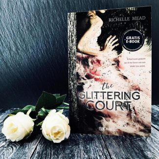 Recensie | The Glittering Court (The Glittering Court #1), Richelle Mead