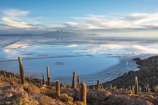 Isla Incahuasi o wschodzie słońca