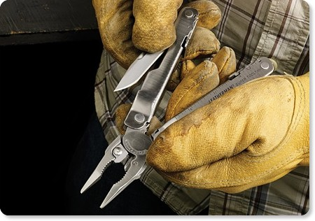 http://www.uncrate.com/men/gear/tools/leatherman-super-tool-300/