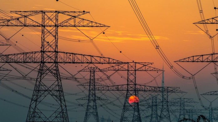 Kuwait increases power, water rates for some sectors